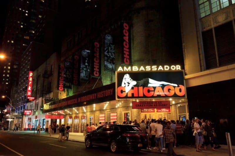 セクシーでダイナミックなダンス・ミュージカル「シカゴ(CHICAGO)」