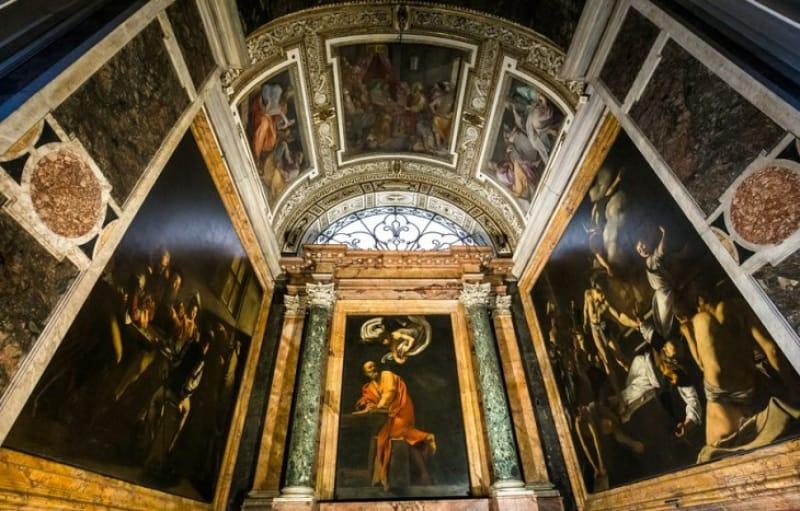 カラヴァッジョが描いた美男のイエスを堪能できる「サン・ルイージ・デイ・フランチェージ教会」