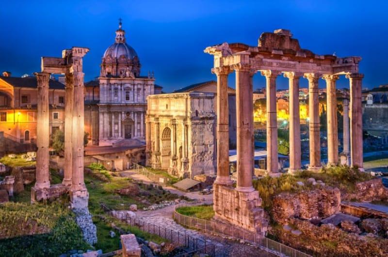 古代ローマ帝国の遺跡「フォロ・ロマーノ」