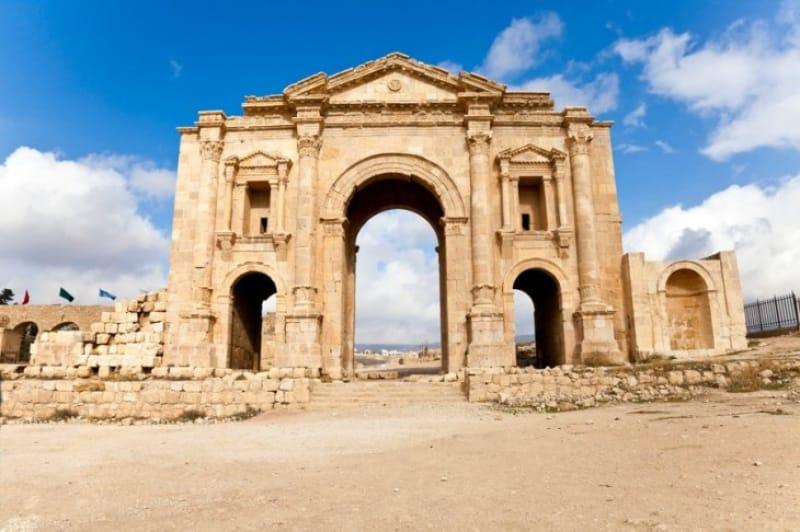 オリエンタル・バロックの巨大遺跡『ジェラシュ』