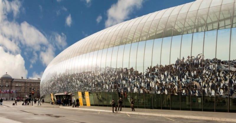 歴史と近代的デザインが融合「ストラスブール駅」