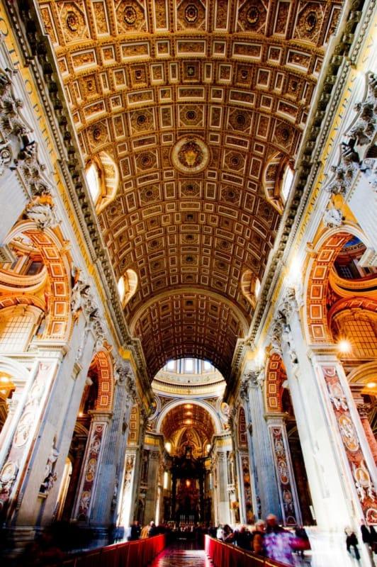 ローマ・カトリックの総本山「サン・ピエトロ大聖堂」