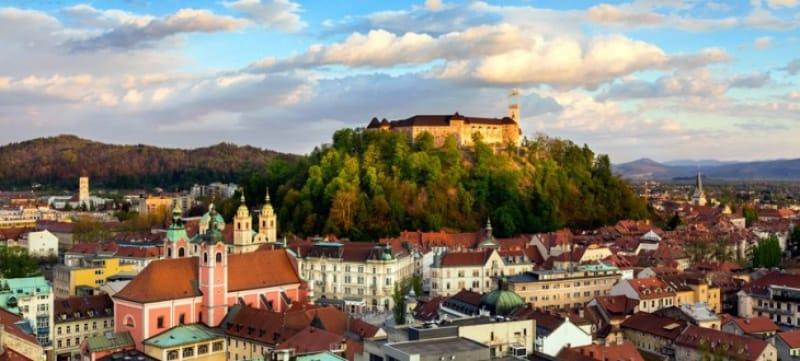 市街を見下ろすリュブリャナ城