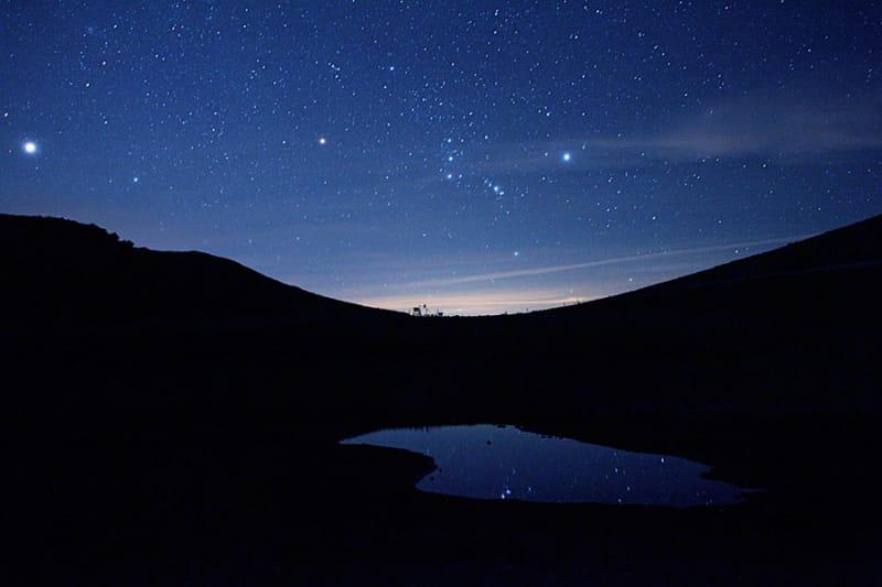 温泉と瞬く星空が楽しめる・噴泉池