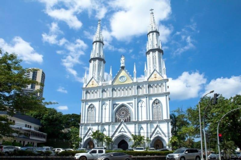 美しきスペイン式教会、カメルン教会