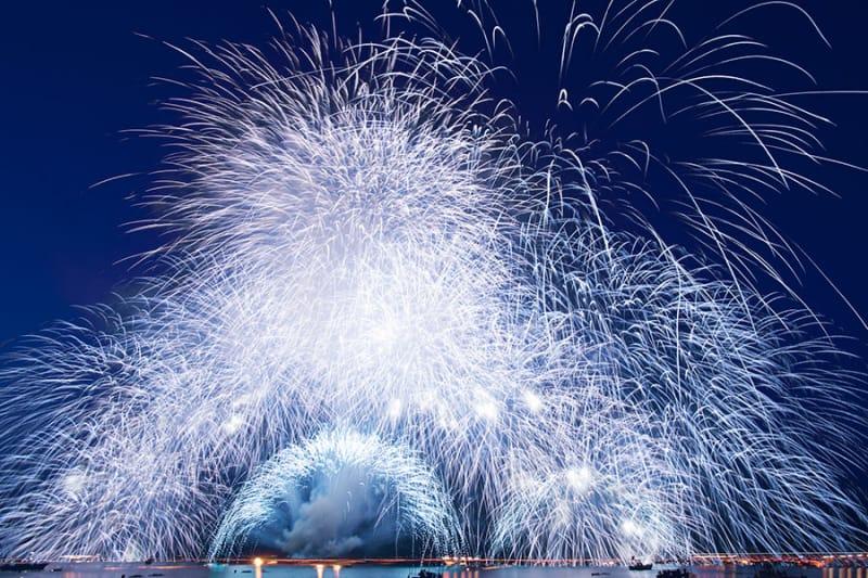 京都で夏の思い出に日本を感じよう!『宮津燈籠流し花火大会』