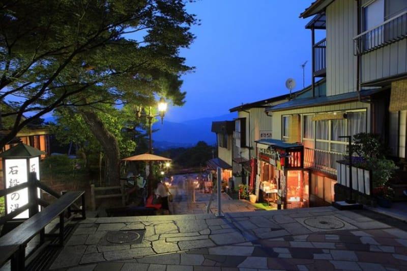 カップルでこそ行きたい伊香保温泉