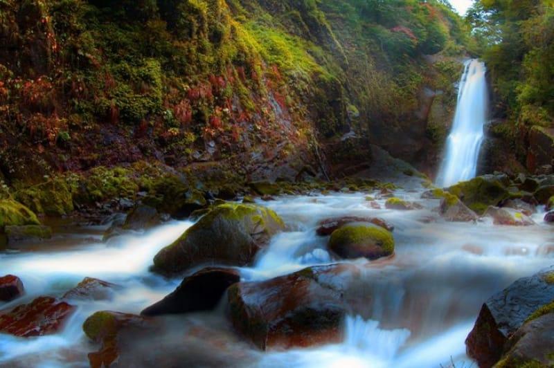 秋保温泉に行くならここ「秋保大滝」は外せない
