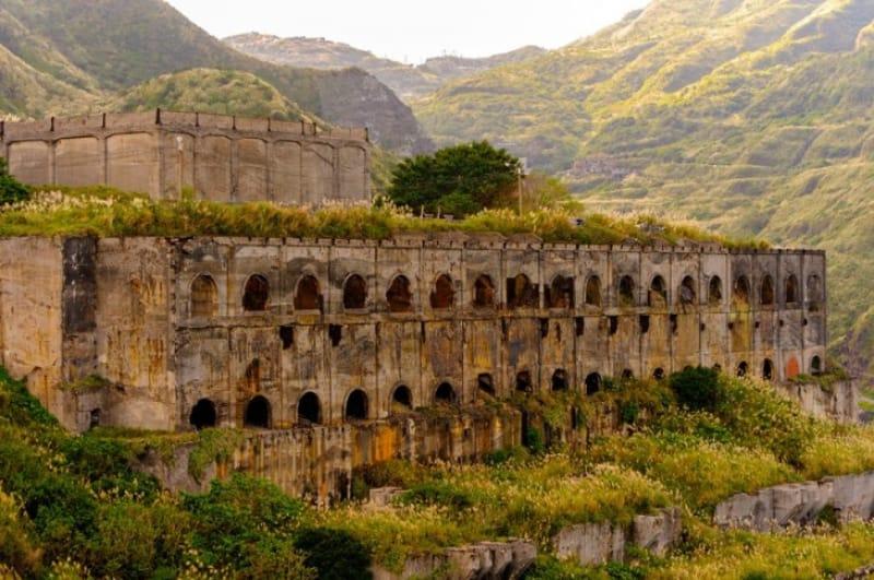 ミステリアスで美しい廃墟・十三層遺跡