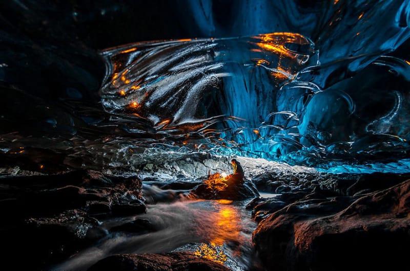 #26. バトナ氷河の滝の氷の洞窟