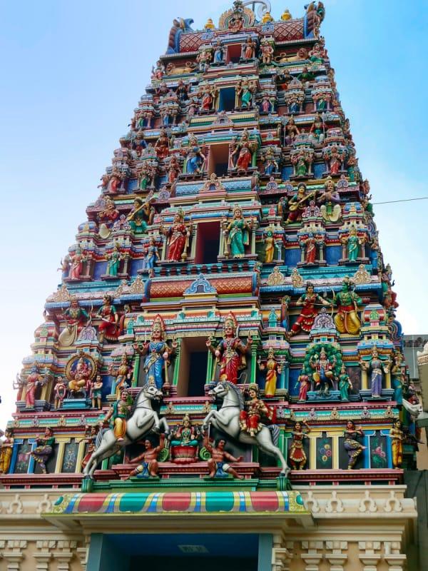 市内最大のヒンドゥー教寺院、スリ・マハマリアマン寺院
