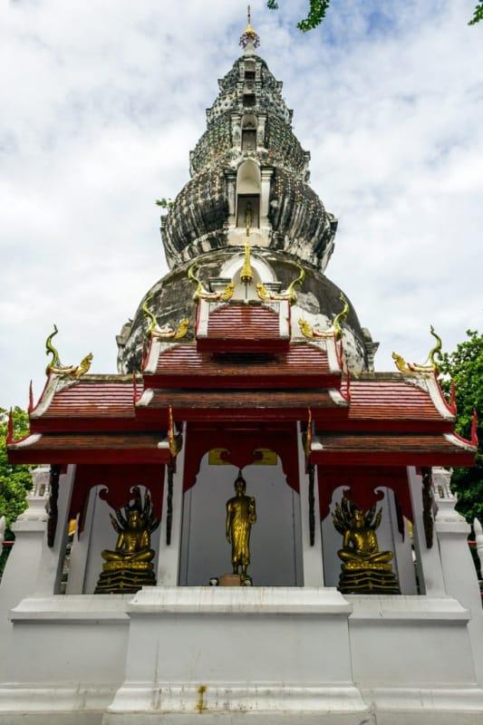 ビルマ様式の仏塔 ワット・クータオ