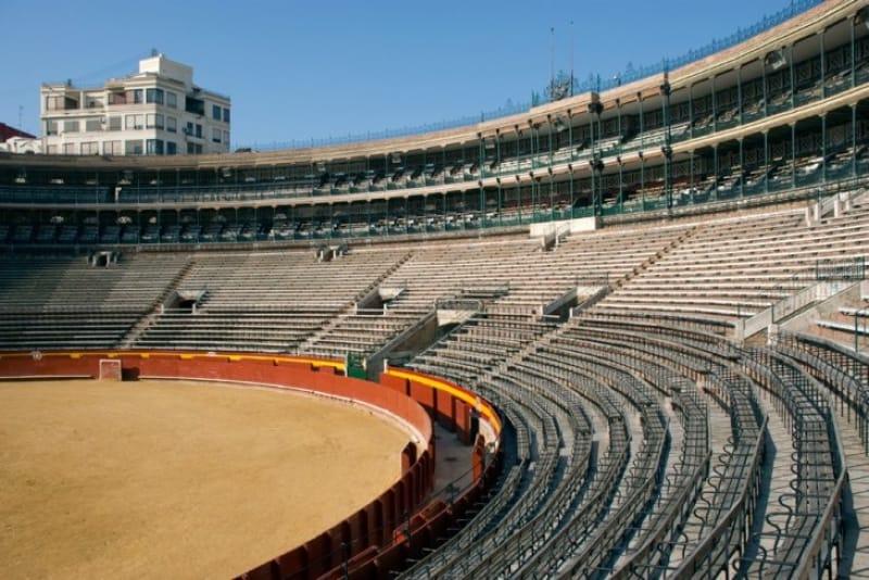 闘牛シーズンの始まりを告げる「バレンシア闘牛場」