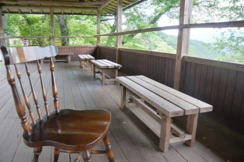100430:吉野には見晴らしのいい休憩所がたくさん!