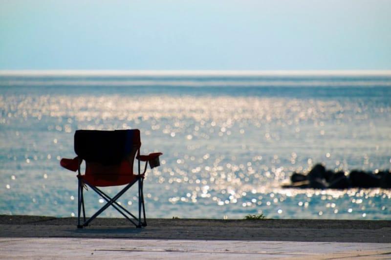 新潟市中央区の関屋浜周辺から眺めた日本海と地平線です。