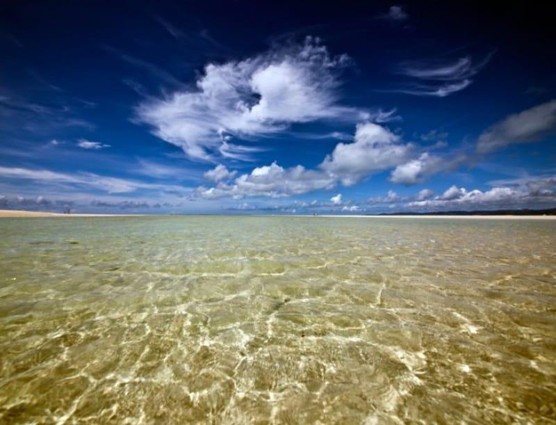 透明度の高い美しい海に出会える