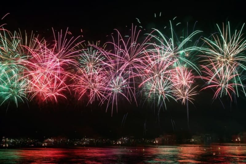 海上ならではの仕掛け・熊野大花火大会
