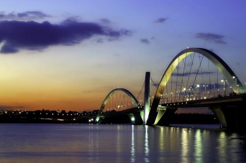 07)驚きに満ちた未来都市「ブラジリア」(1987年登録)