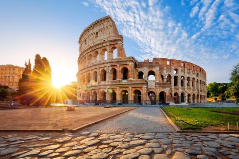 古代ローマの円形劇場、コロッセオ