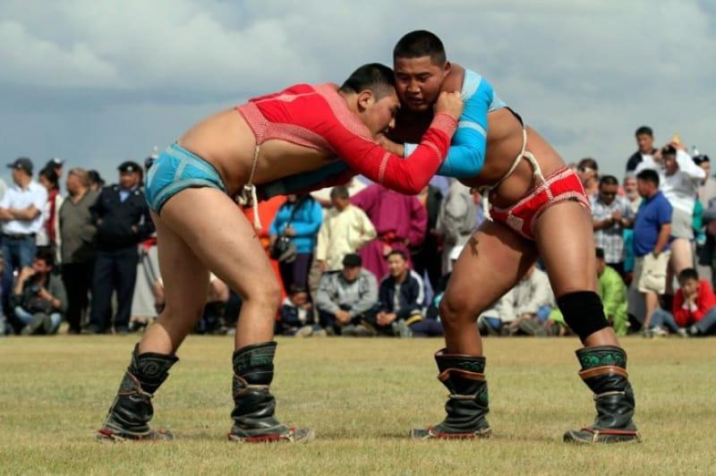 夏の祭典ナーダム モンゴル相撲