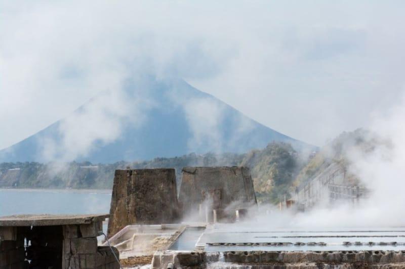 絶景露天風呂からは薩摩富士と呼ばれる開聞岳が見えます