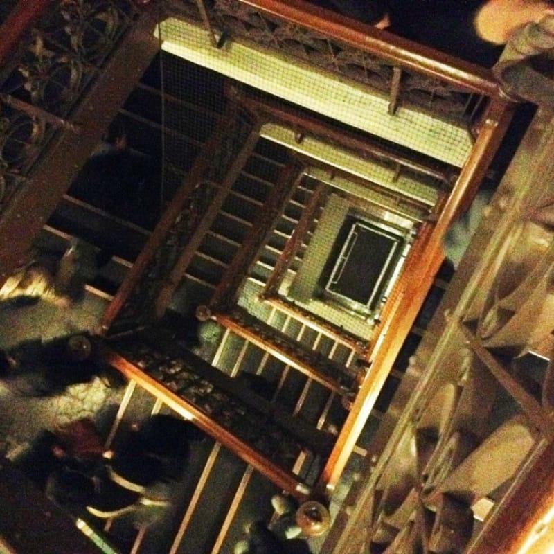 97586:大正の探偵ものに出てきそうな螺旋階段