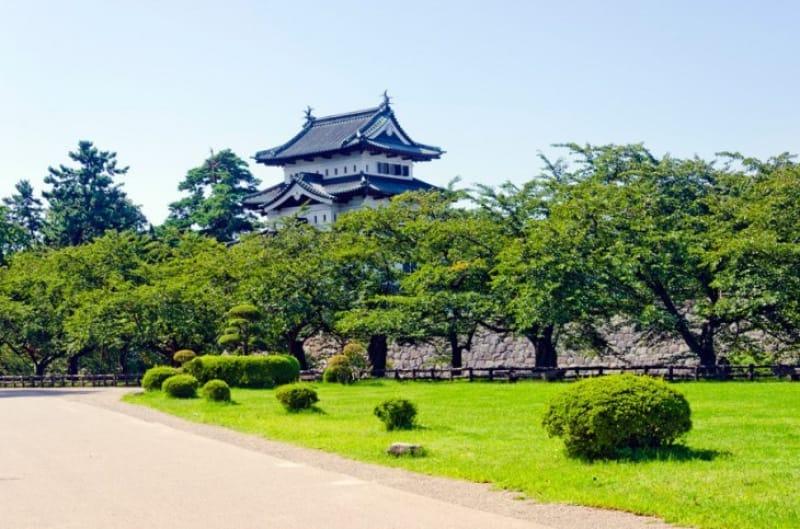 弘前はお城なしでは語れません!「弘前城」
