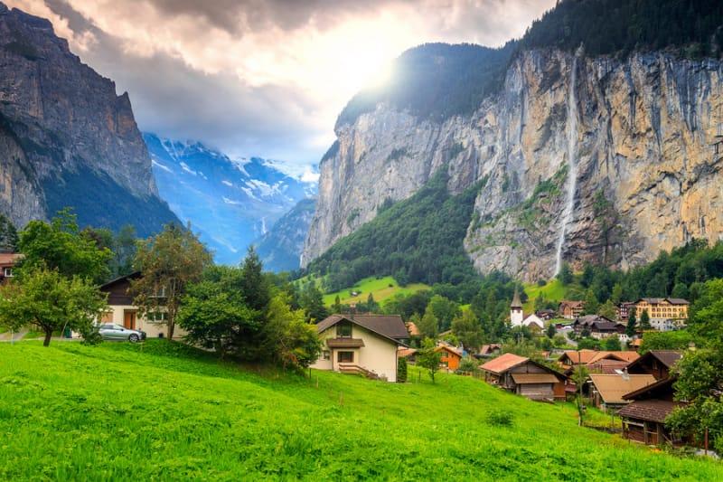 悠久の山岳地帯、『ユングフラウ・アレッチ・ビーチホルン(Jungfrau - Aletsch - Bietschhorn)』
