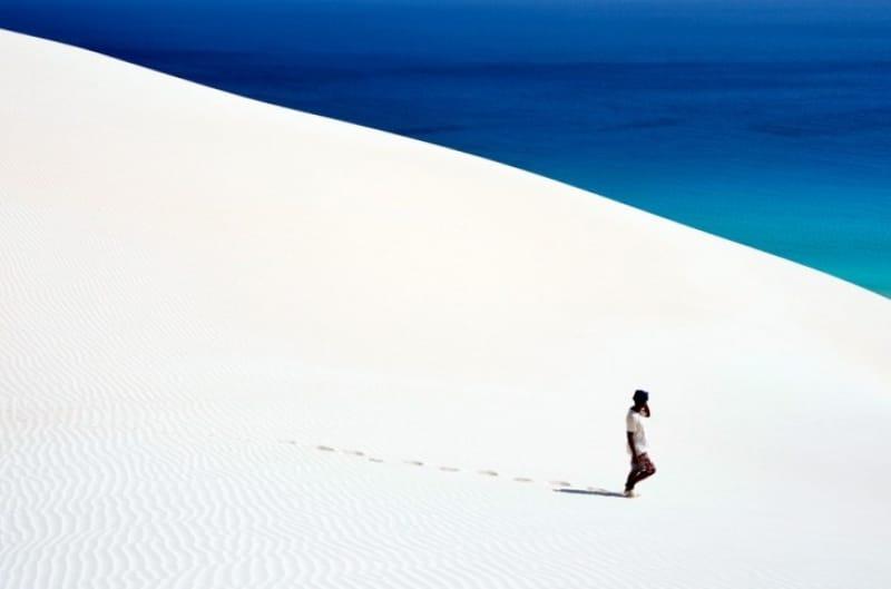 真っ白な雪のような砂漠