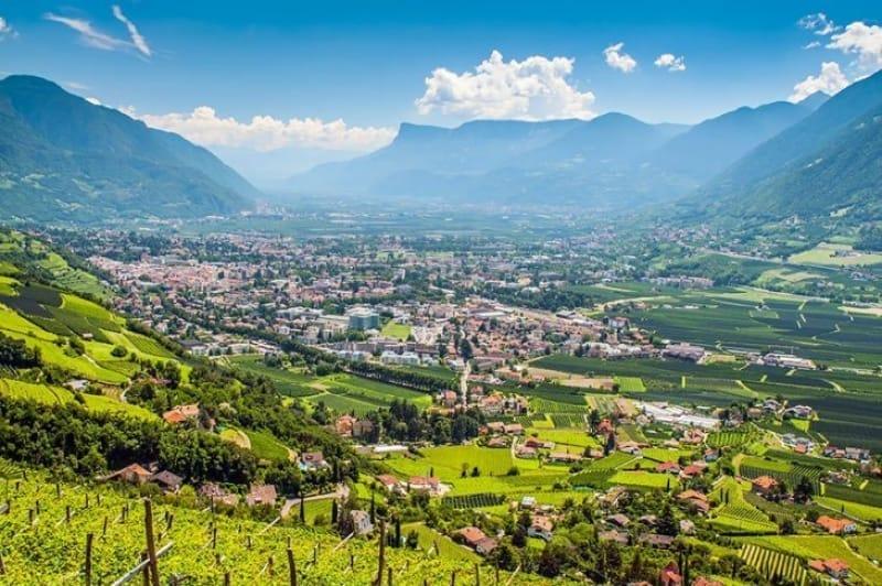 オーストリアの西部に位置する「チロル地方」
