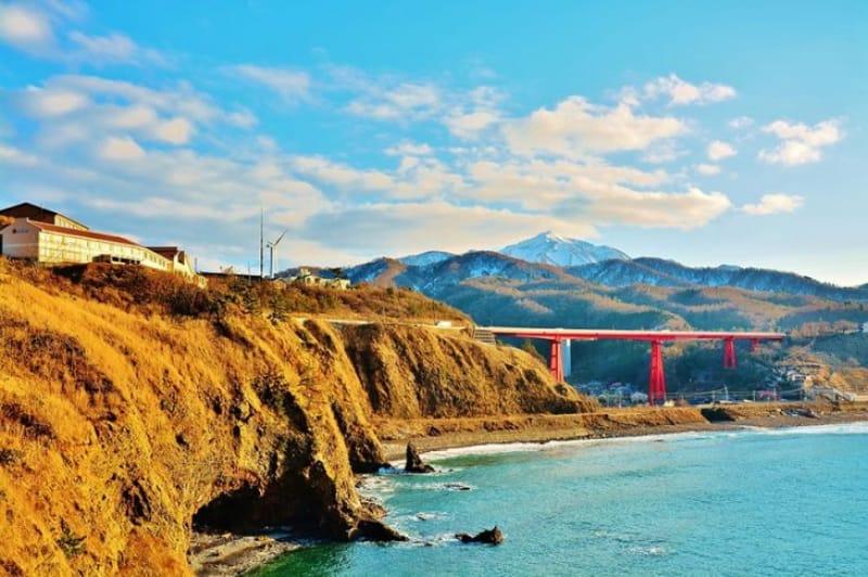 海と風のシンボル・米山大橋