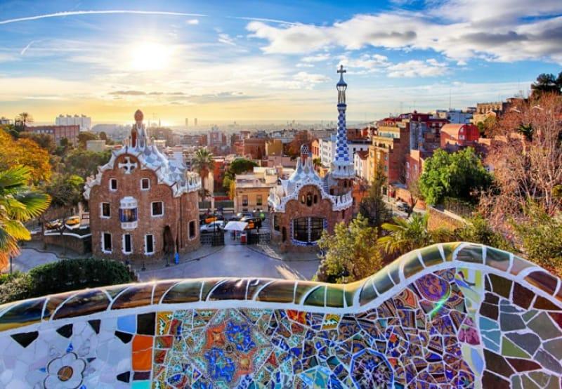 バルセロナってどんな街?