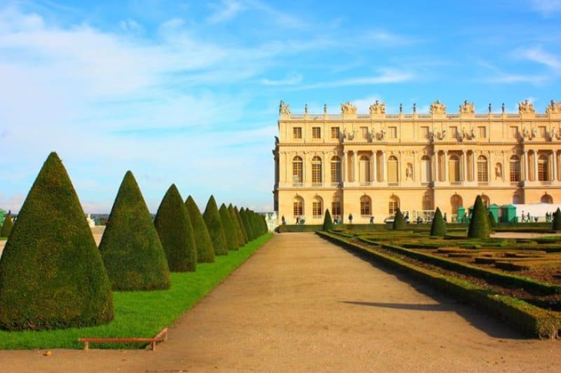 ヴェルサイユ宮殿とは?