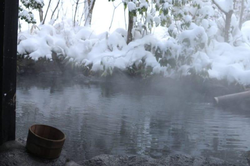 「冬」の楽しみといえば、「鬼怒川温泉の雪見風呂」
