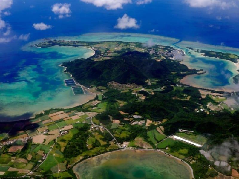 石垣島へのアクセスは飛行機で