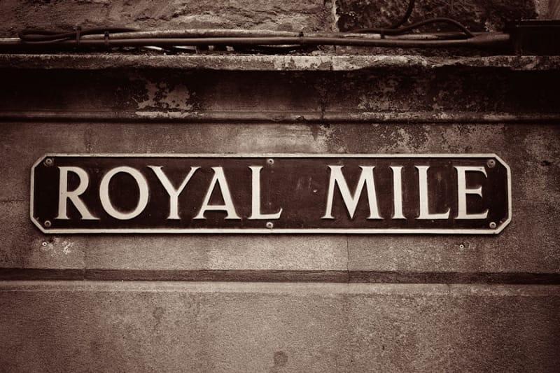 ホリールード宮殿へ続く道・ロイヤルマイル