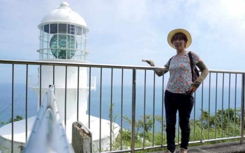 100083:室戸岬灯台と海!室戸の絶景スポットへようこそ