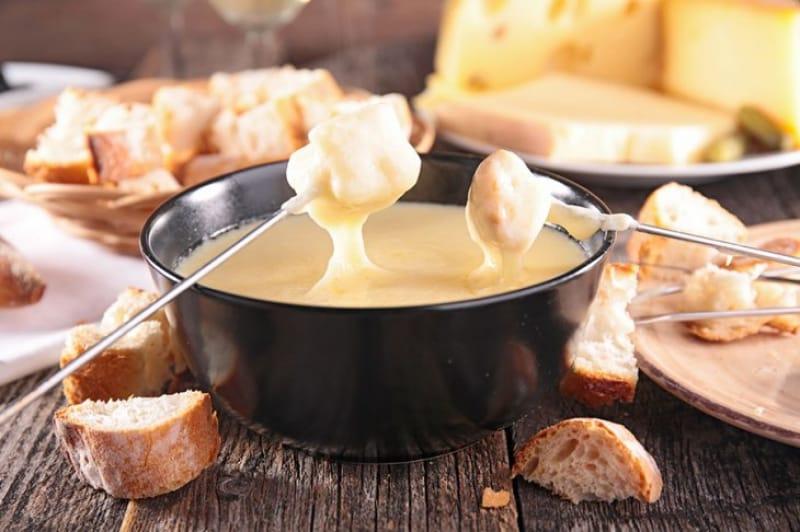 テンション上がる!チーズフォンデュ(fondue fromage)