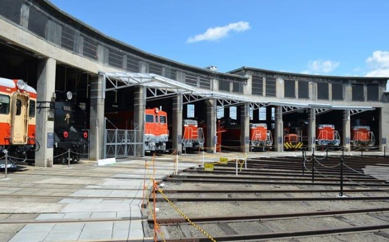 鉄道好きにはたまらない・旧津山扇形機関車庫