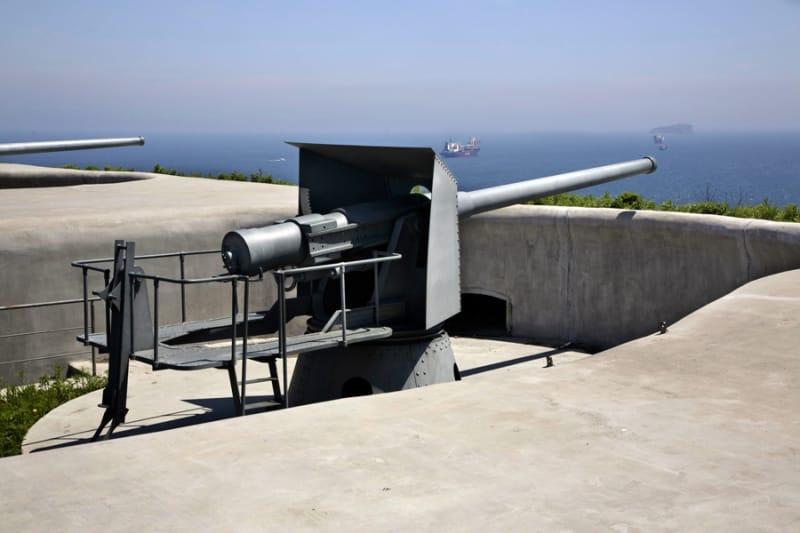 実際の兵器に触れられるウラジオストク要塞博物館