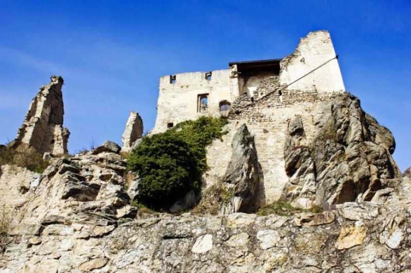 大昔の曰く付きのデュルンシュタイン城跡