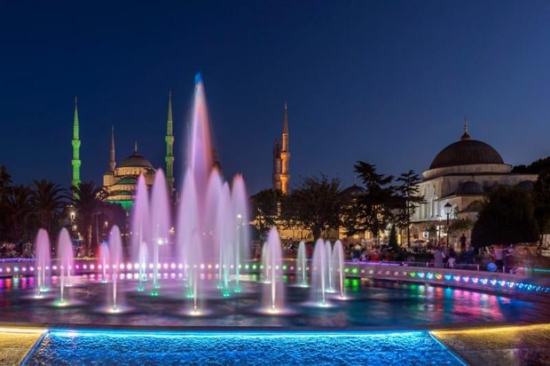 観光の拠点『スルタンアフメット広場』