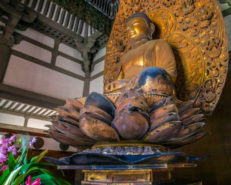 鳳凰堂には、国宝「阿弥陀如来坐像」