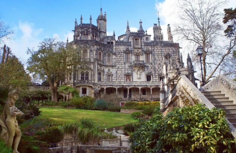 まるでドラクエの世界「レガレイラ宮殿」