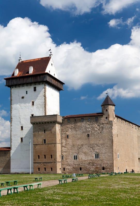 国境の町に佇む古城「ナルヴァ城」