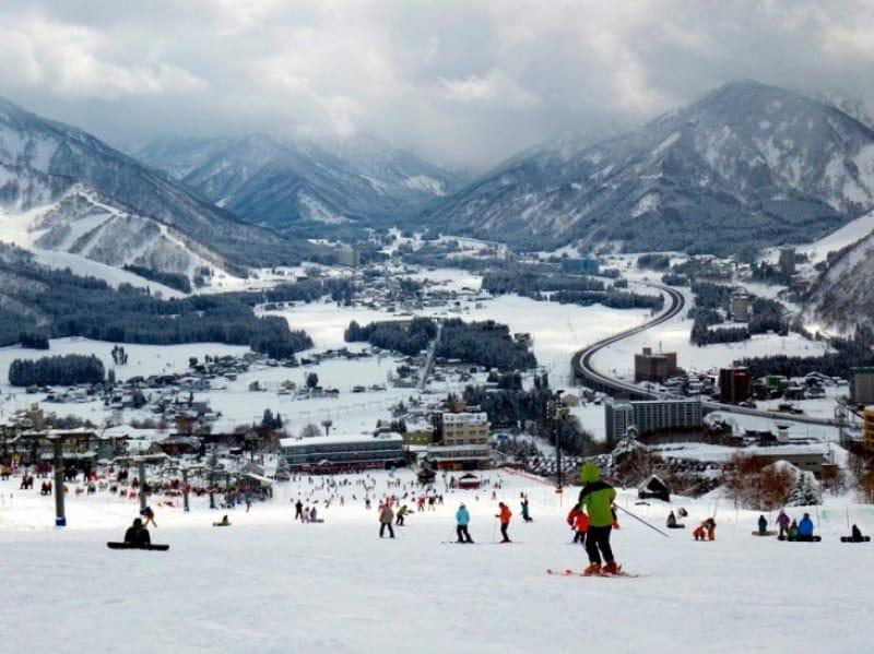 初心者にもおすすめ・湯沢中里スキー場