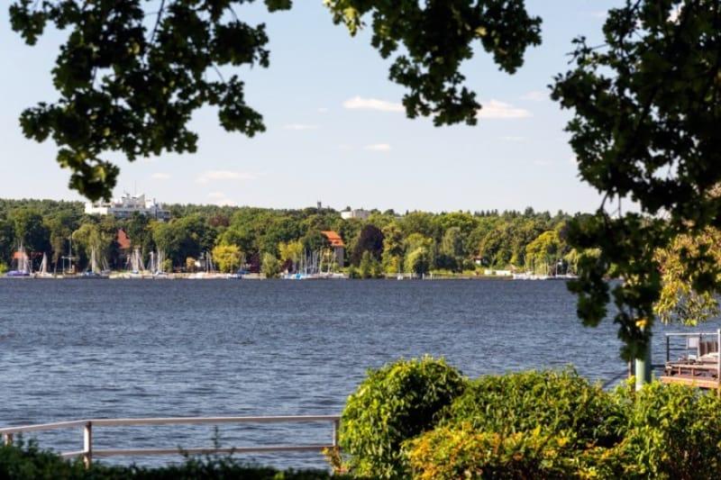 四季折々の姿を見せるヴァン湖