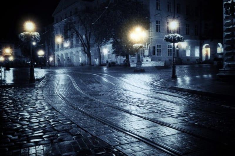 基本的には夜に出歩かない