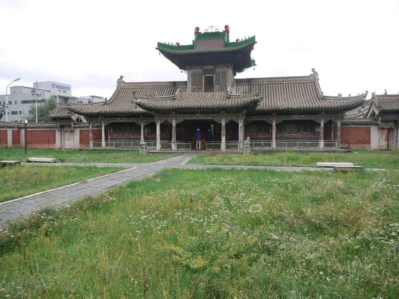 ボグドハーン宮殿(博物館)でモンゴルを知る