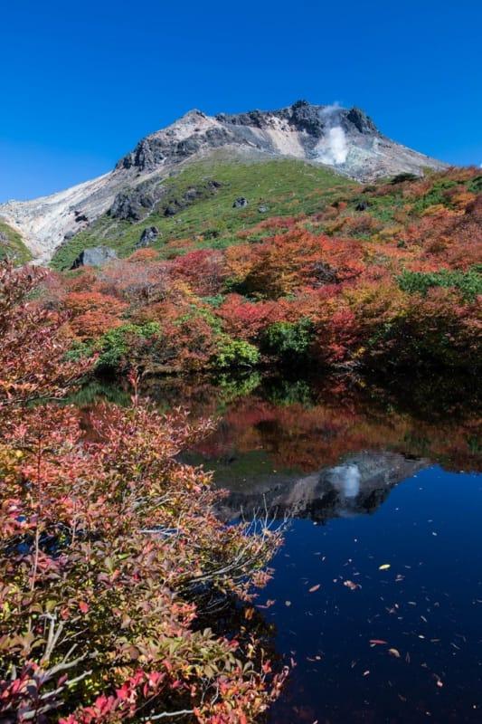 「秋」の紅葉の見どころといえば、「那須岳などの山々」